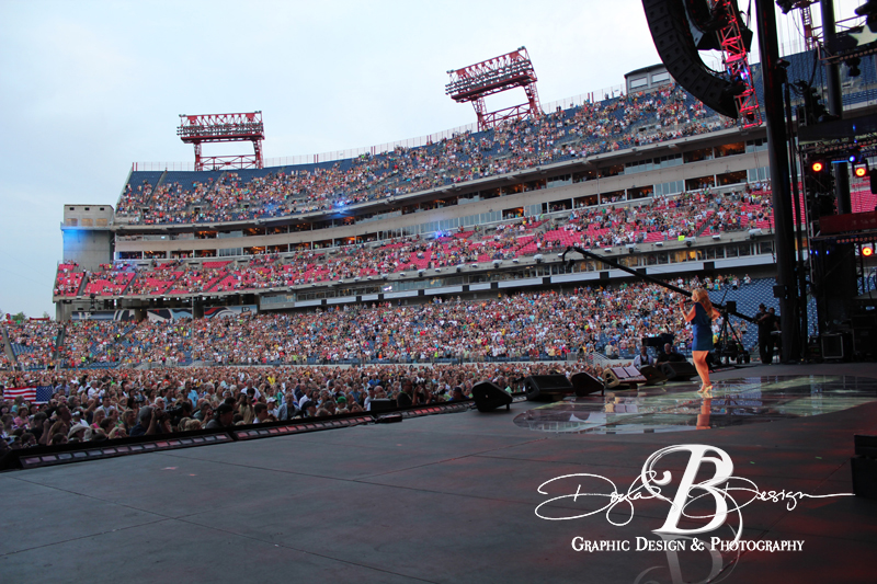 Julie Roberts At LP Field